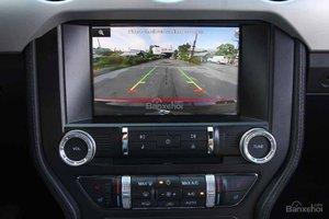 Đánh giá xe Ford Mustang 2015 có màn hình cảm ứng đa tính năng.