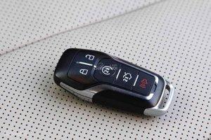 Đánh giá xe Ford Mustang 2015 có chìa khóa thông minh.