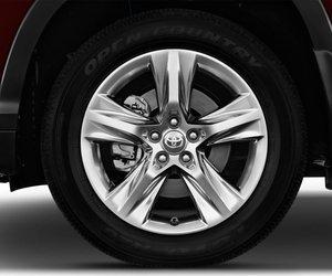Toyota Highlander 20 aa7c Đánh giá chi tiết xe Toyota Highlander 2014: Đối thủ sừng sỏ của Honda Pilot