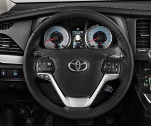 13 8870 Đánh giá chi tiết xe Toyota Sienna 2015: Mẫu xe gia đình hoàn hảo