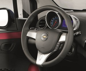 t 2014  14 1e26 Đánh giá chi tiết xe Chevrolet Spark Zest 2014: Giá rẻ, trẻ trung, vận hành tốt