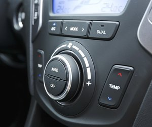 14 19 890a Đánh giá chi tiết xe Hyundai Santa Fe 2014: Lựa chọn hàng đầu trong phân khúc