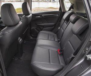 HondaFit20153 6d65 Đánh giá chi tiết xe Honda Fit 2015: Mạnh mẽ, linh hoạt