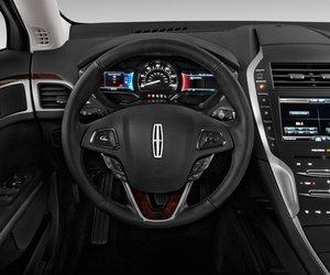 volang1 d964 Đánh giá chi tiết xe Lincoln MKZ 2016