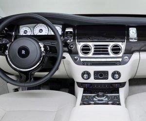 RollsRoyceGhost20146 d8d1 Đánh giá chi tiết xe Rolls Royce Ghost 2014: Mẫu sedan dành cho các đại gia
