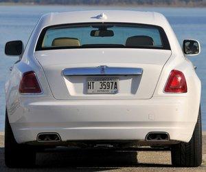 RollsRoyceGhost20148 32b1 Đánh giá chi tiết xe Rolls Royce Ghost 2014: Mẫu sedan dành cho các đại gia