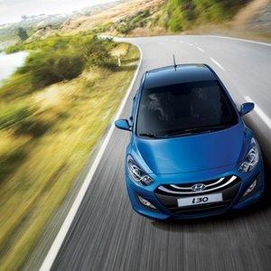 Khả năng vận hành của Hyundai i30 khá tốt nhờ hệ thống lái điện.