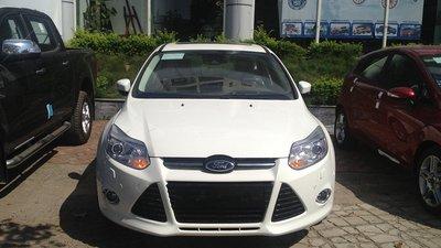 Bán xe ô tô Ford Focus 2.0, sản xuất 2015, giá chỉ 767 triệu