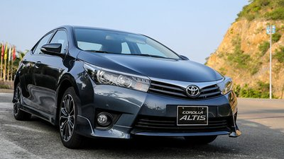 Bán xe Toyota Corolla Altis 1.8 AT, mới 100%