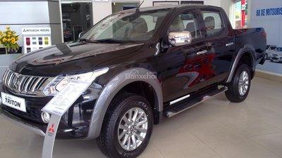 Đang cần bán gấp ô tô Mitsubishi Triton GLS AT năm 2016, màu đen, ôtô nhập giá 7