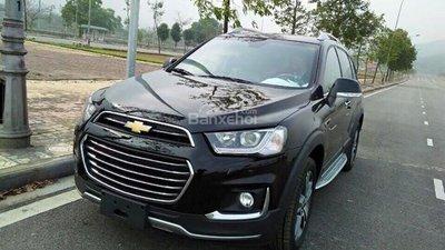 Đang cần bán gấp xe Chevrolet Captiva LTZ 2015, xe đen, giá cạnh tranh