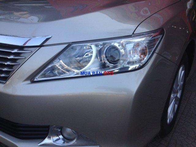 Xe Toyota Camry  2012-6