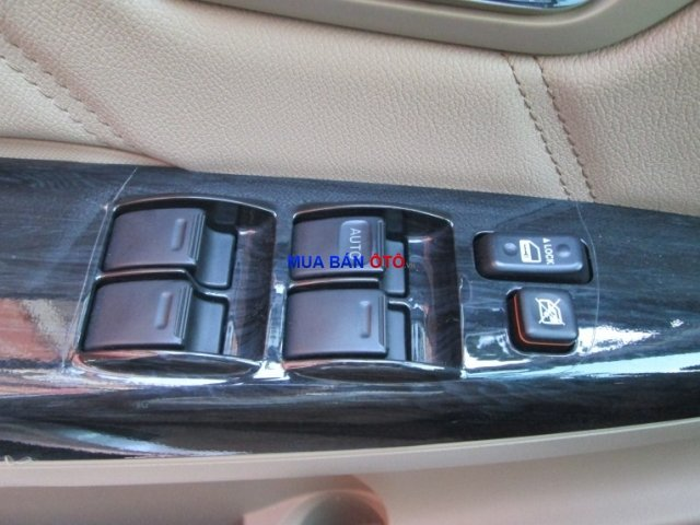 Xe Toyota Fortuner  2013-3