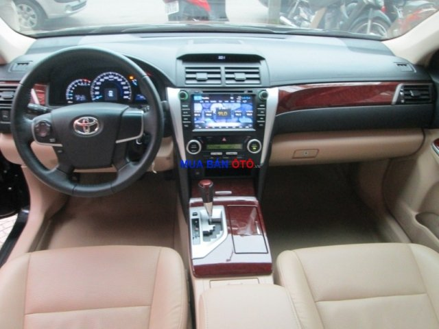 Xe Toyota Camry  2013-5