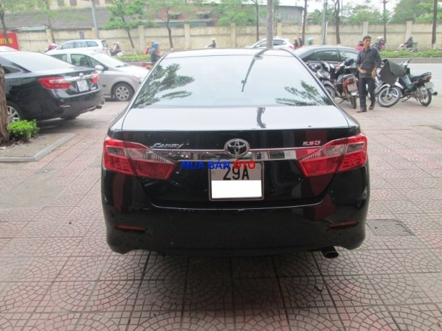 Xe Toyota Camry  2013-6