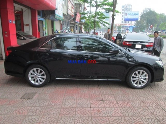 Xe Toyota Camry  2013-8