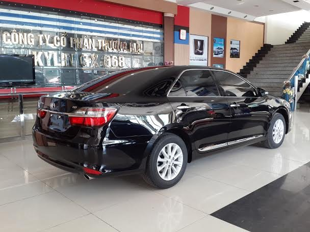 Xe Toyota Camry  2015-2