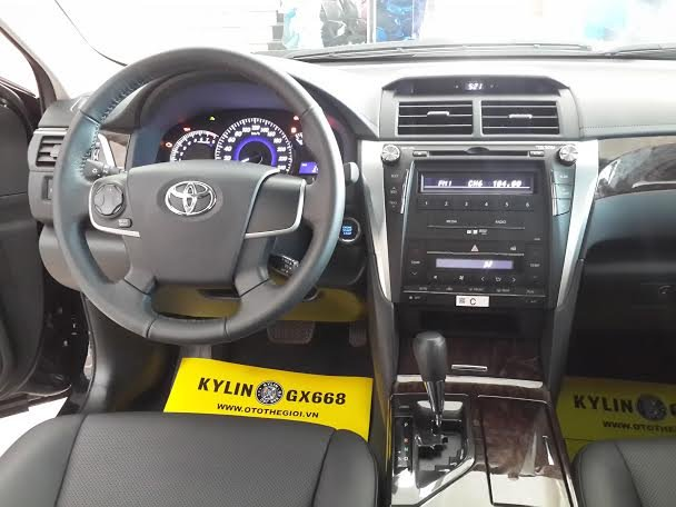 Xe Toyota Camry  2015-7