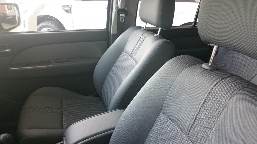 Xe Ford Everest 2.5 MT 4x2 2015-4