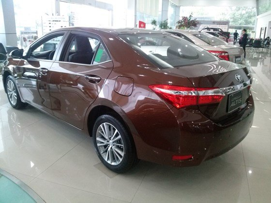 Xe Toyota Corolla Altis 1.8AT sản xuất 2015, mới 100%-5