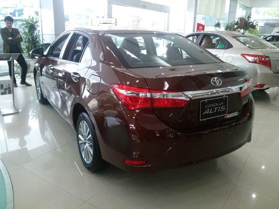 Xe Toyota Corolla Altis 1.8AT sản xuất 2015, mới 100%-2