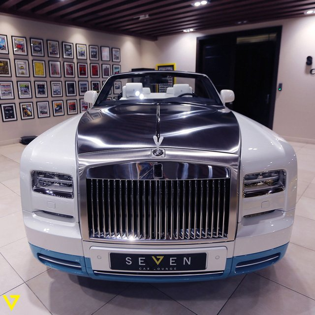 Rolls-Royce Phantom Drophead Coupe 7.