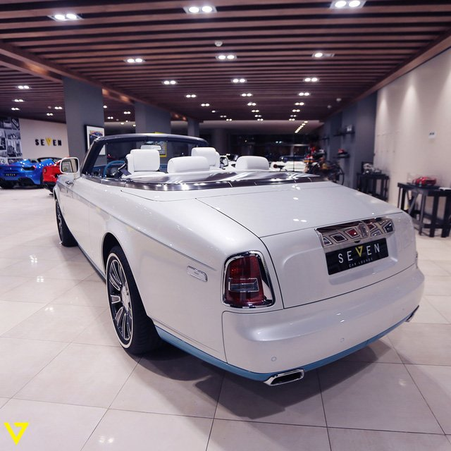 Rolls-Royce Phantom Drophead Coupe 14.