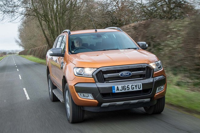 Xe oto Ford Ranger 2019 the he moi su dung 3 dong co