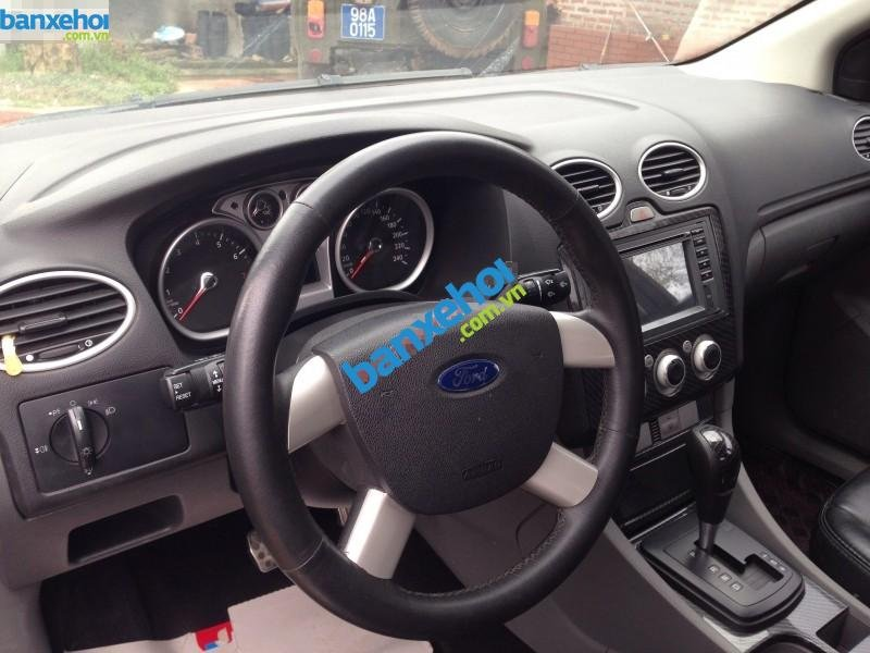 Xe Ford Focus 1.8L 2010-4