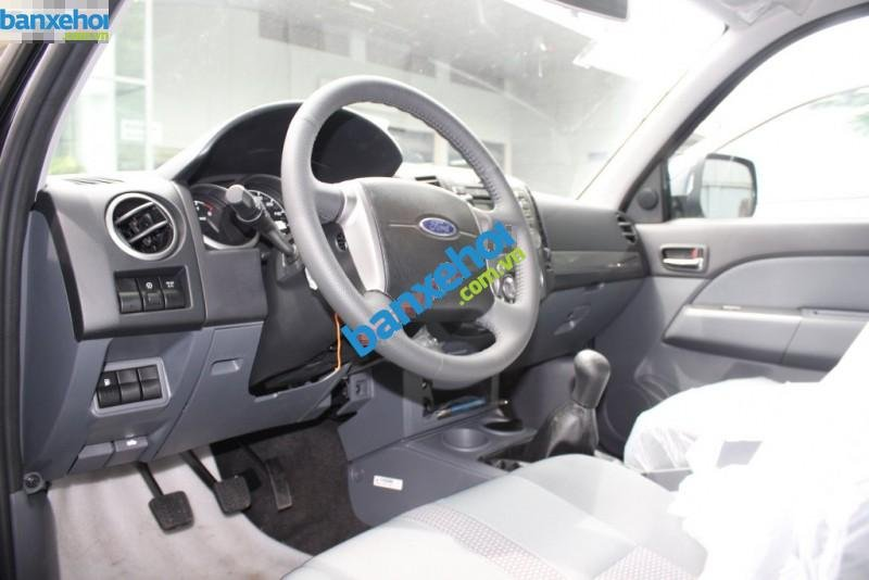 Xe Ford Everest 4x2 MT 2013-5