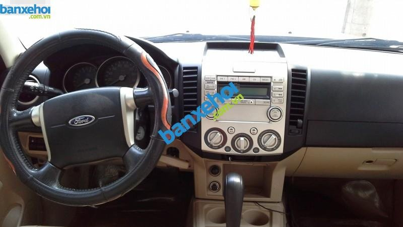 Xe Ford Everest  2009-4