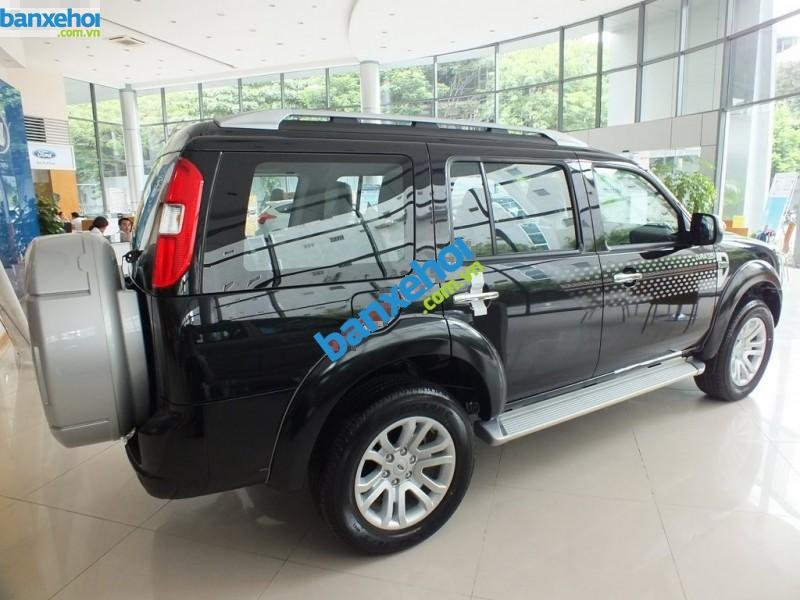 Xe Ford Everest 4x2 MT 2013-1