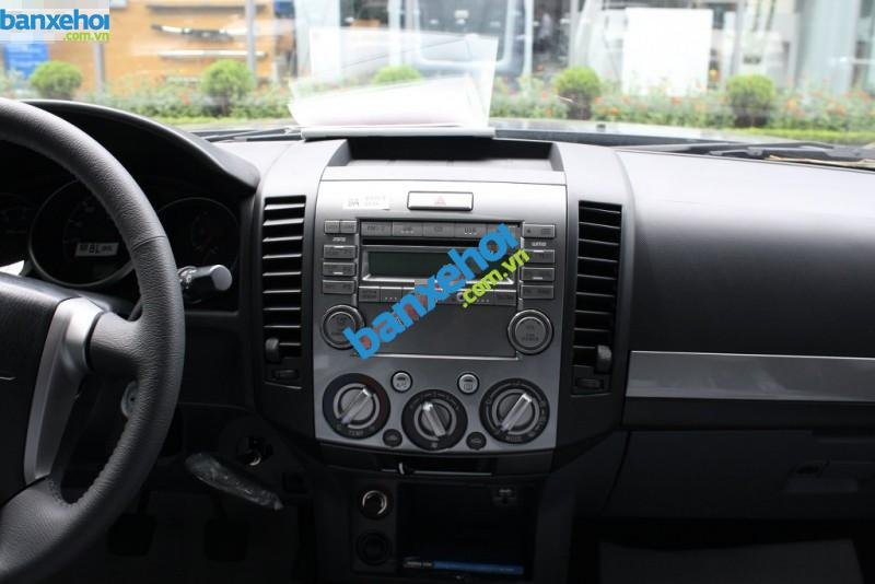 Xe Ford Everest 4x2 MT 2013-8