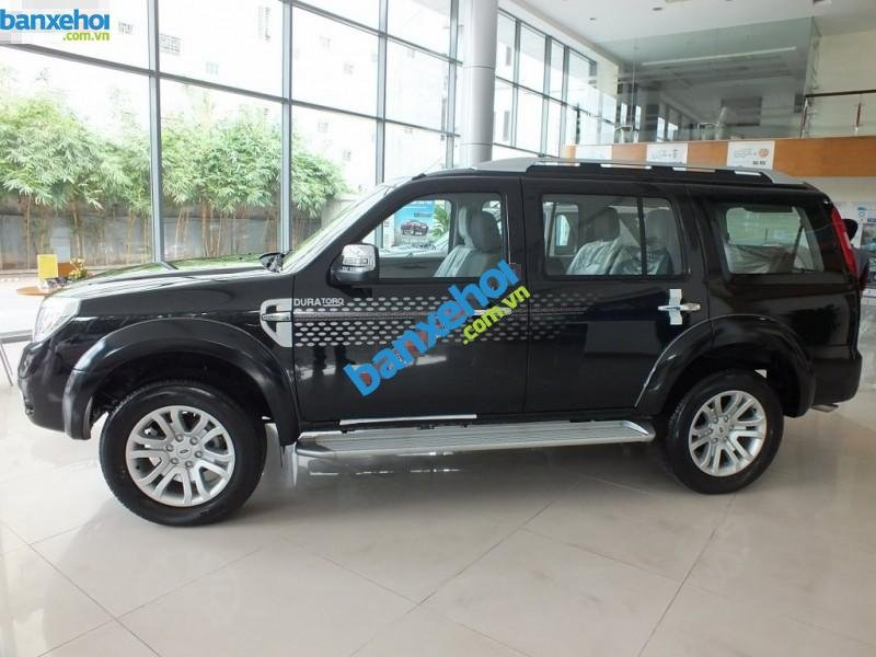 Xe Ford Everest 4x2 MT 2013-0