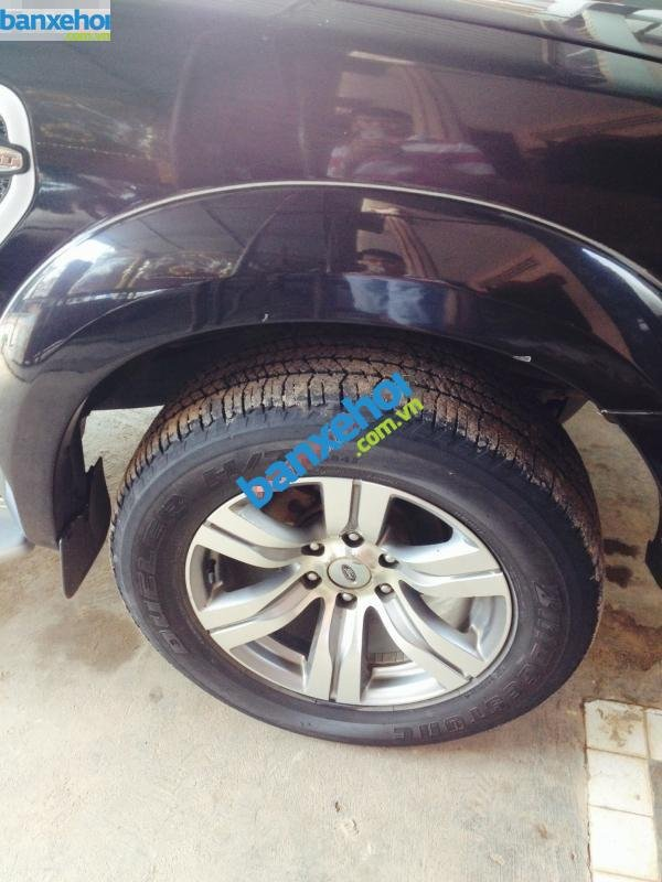 Xe Ford Everest  2009-1