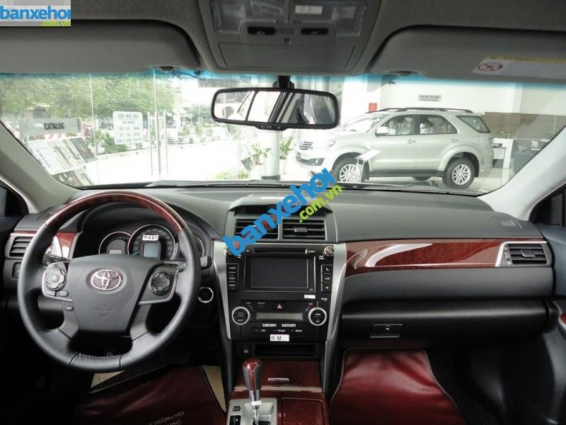 Xe Toyota Camry 2.5Q 2014-6