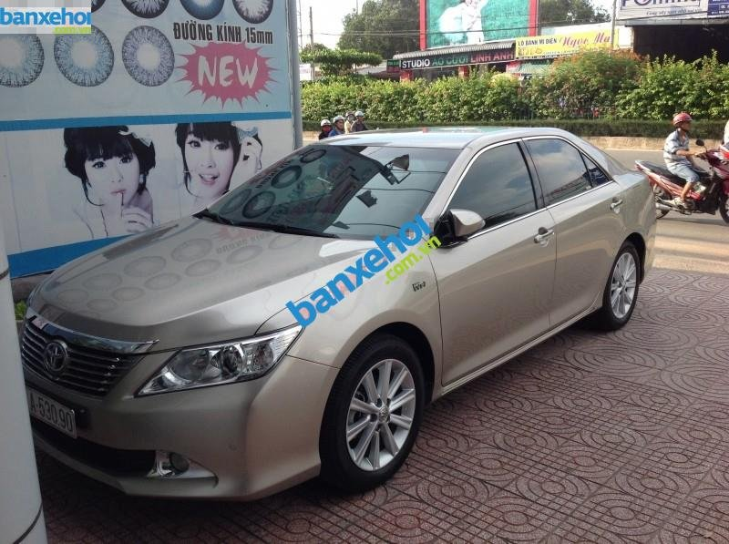 Xe Toyota Camry 2.5 Q 2013-0