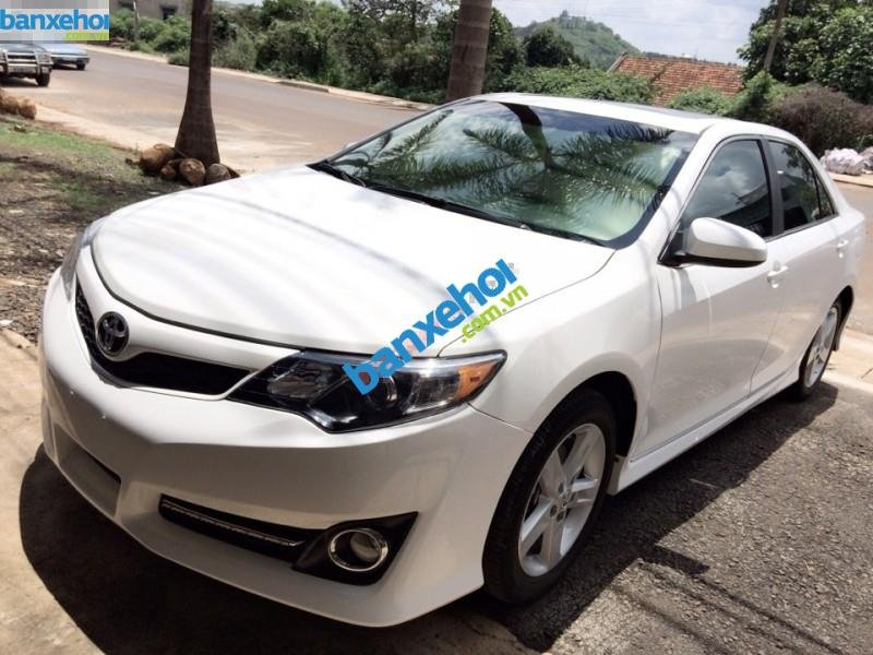 Xe Toyota Camry SE 2012-2