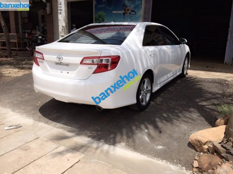 Xe Toyota Camry SE 2012-1