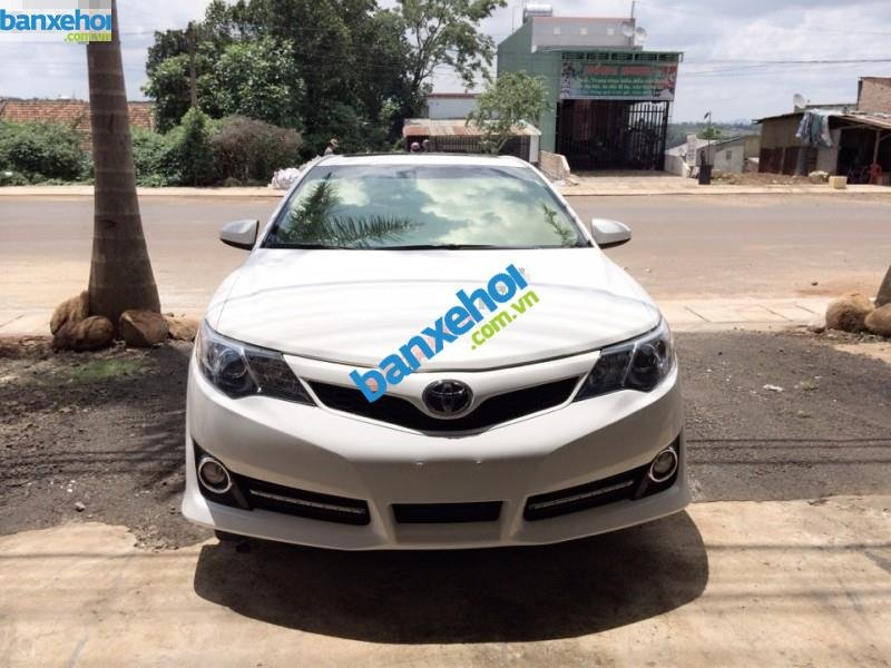 Xe Toyota Camry SE 2012-0