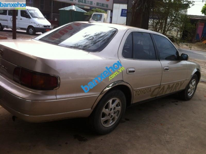Xe Toyota Camry 2.2 1994-5
