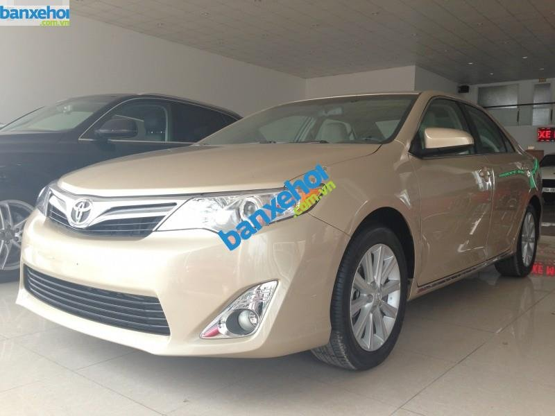 Xe Toyota Camry XLE 2014-2