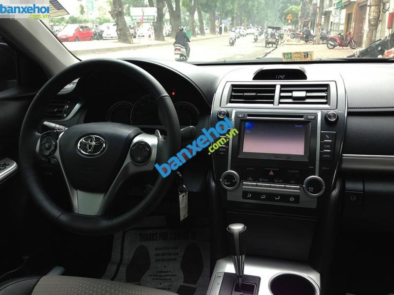 Xe Toyota Camry SE 2013-7