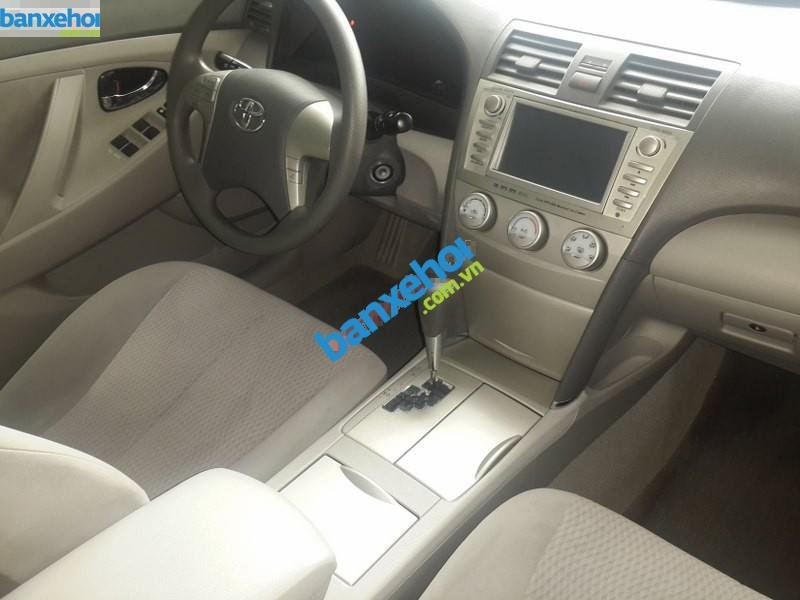 Xe Toyota Camry 2.5LE 2010-7