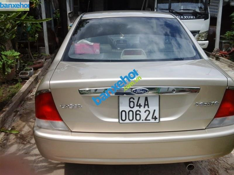 Xe Ford Laser  2000-1