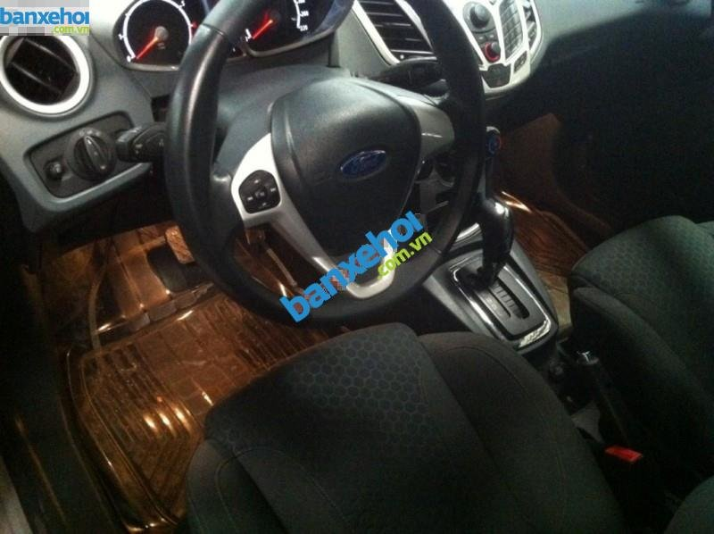 Xe Ford Fiesta AT 2011-4