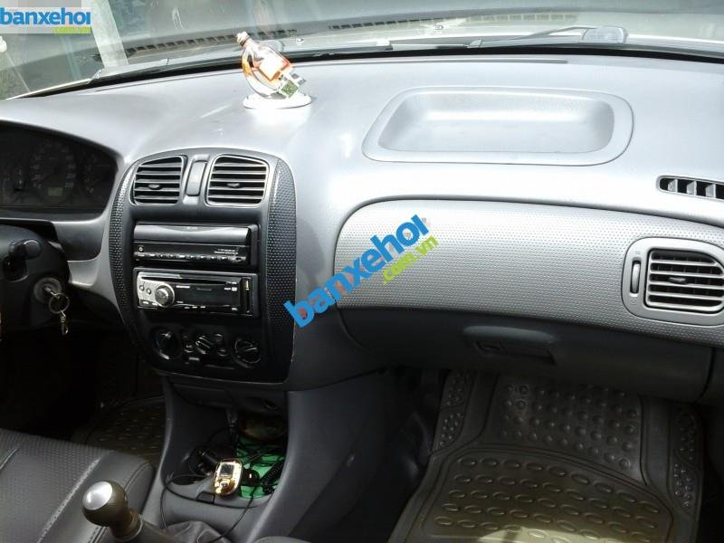 Xe Ford Laser  2000-3