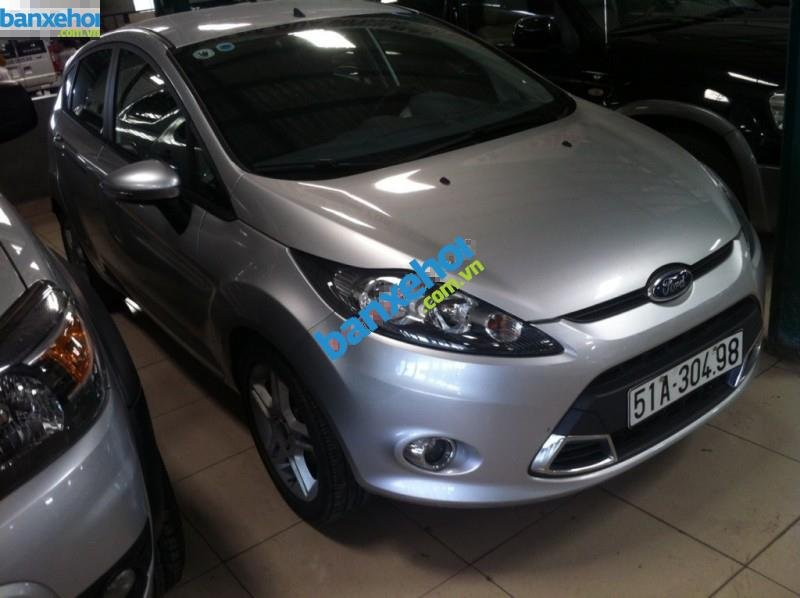 Xe Ford Fiesta AT 2011-1