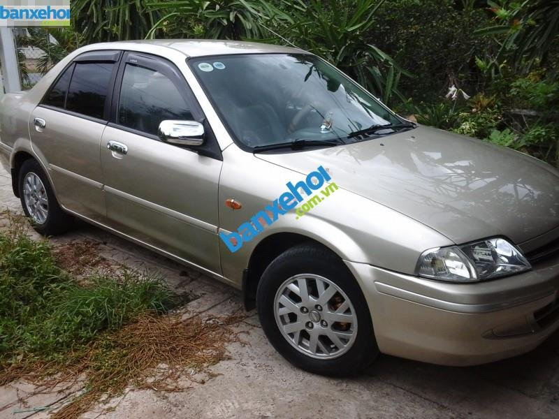 Xe Ford Laser  2000-0