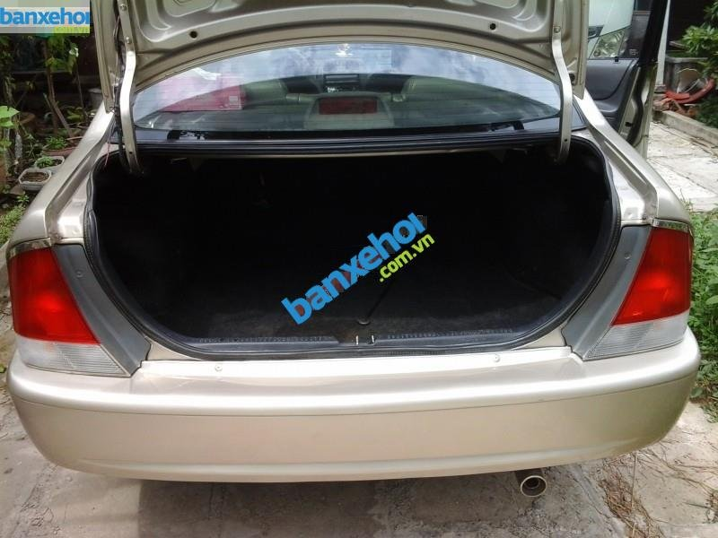 Xe Ford Laser  2000-7